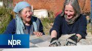 Hausbau aus Leidenschaft: 76-Jährige repariert Fachwerkhaus | Typisch! | NDR Doku